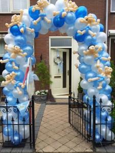 Ballonnenboog met ballonfiguren
